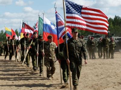 Новая военная доктрина видит единственного врага Россию и выгодна США 4