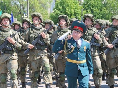 Парад военных в Валуйках