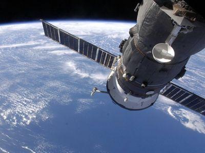 Космический военный спутник
